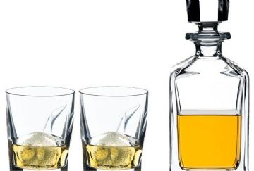 Set-2-whisky-tumbler-+-decanter-3916.jpg